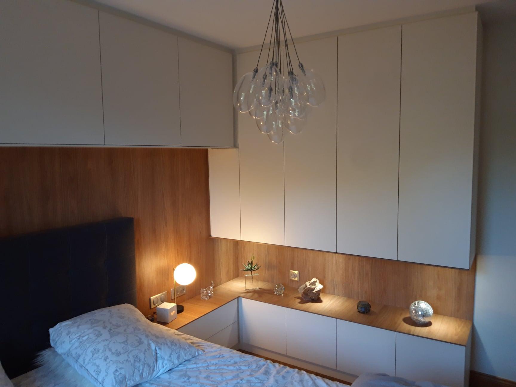 rangement chambre sur mesure bois et blanc