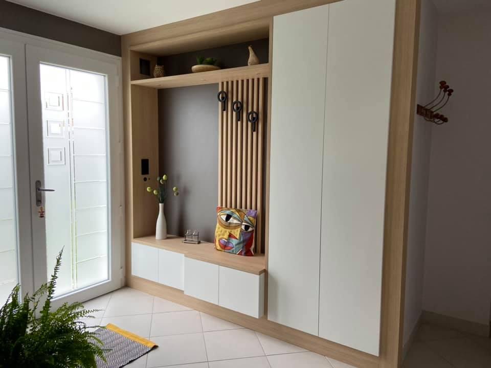 meuble entrée sur mesure blanc et bois